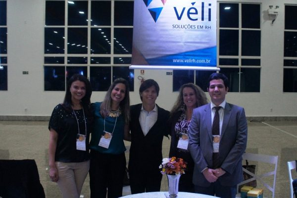 VÉLI participa do Business Day da Amcham